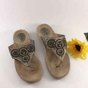EUC Clark's Leather Artisan Sandals